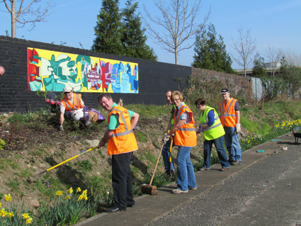 Friends of Reddish South Station working to improve the platform